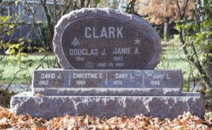Clark 1 Canadian Mahogany Triple Stack Egg Shap 3.0x0.6x1.10  Headstone
