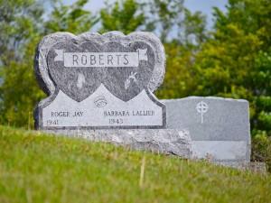 Roberts-Bahoma-Blue-Grave-Stone-Dubble-Heart-