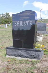 Sawyer-Back-Grave-Stoen-Black-683x1024