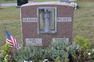 Wilbert-Graham-Mnt-Rose-Grave-Stone-with-Statue-1024x683