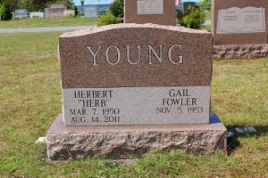 Young-Mnt-Rose-Grave-stone